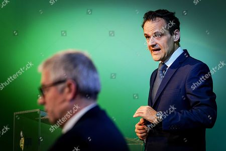 CFO of KPN Jan Kees de Jager (R) and CEO Eelco Blok (L) during presentation on the company annual figures of 2017 in Amsterdam, The Netherlands, 31 January 2018.