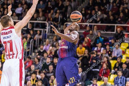 Rakim Sanders, #21 of FC Barcelona Lassa in action