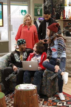 "Editorial picture of ""Disjointed"" (Season 1) TV Series - 2017"