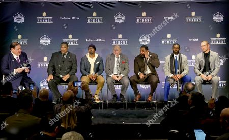 David Baker, Robert Brazile, Brian Dawkins, Bobby Beathard, Ray Lewis, Randy Moss, Brian Urlacher. President/Executive Director Pro Football Hall of Fame David Baker, from left, introduces former NFL players Robert Brazile, Brian Dawkins, Bobby Beathard, Ray Lewis, Randy Moss, and Brian Urlacher who will be inducted into the Pro Football Hall of Fame class of 2018, at the 7th Annual NFL Honors at the Cyrus Northrop Memorial Auditorium, in Minneapolis, Minnesota
