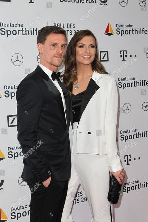 Laura Wontorra mit partner Simon Zoller