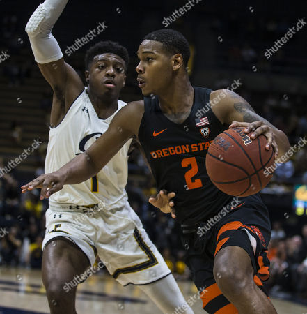 Berkeley, CA U.S.A. Oregon State guard Ronnie Stacy (2) drives to the hoop during the NCAA Men's Basketball game between Oregon State Beavers and the California Golden Bears 70-74 lost at Hass Pavilion Berkeley Calif. Thurman James / CSM