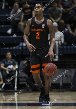 Berkeley, CA U.S.A. Oregon State guard Ronnie Stacy (2) brings the ball up court during the NCAA Men's Basketball game between Oregon State Beavers and the California Golden Bears 70-74 lost at Hass Pavilion Berkeley Calif. Thurman James / CSM