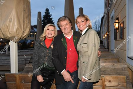Stock Image of Marianne and Michael Hartl and Christa Kinshofer,
