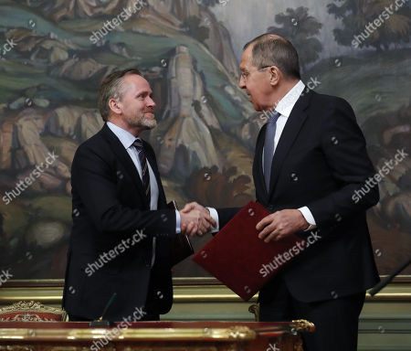 Russian Foreign Minister Sergei Lavrov (R) and Danish Foreign Minister and Chairman of the Committee of Ministers of the Council of Europe Minister Anders Samuelson (L) attend a signing ceremony  after their talks in Moscow, Russia, 06 February 2018. The ministers discussed bilateral and Russia-EU topics and Russia's participation in the Ukrainian crisis.