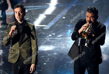 Italian singers Diodato (L) and Roy Paci (R) perform on stage during the 68th Sanremo Italian Song Festival at the Ariston theatre in Sanremo, Italy, 06 February 2018. The festival will run from 06 to 10 February.