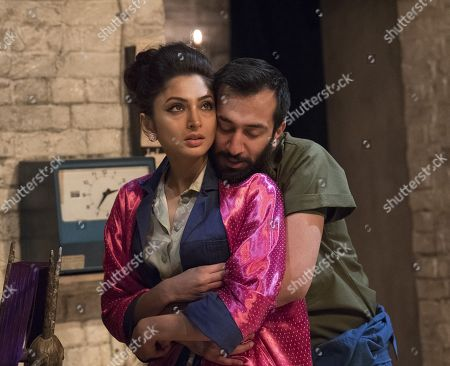 Neerja Naik as Indamora, Naeem Hayat as Aurangzeb