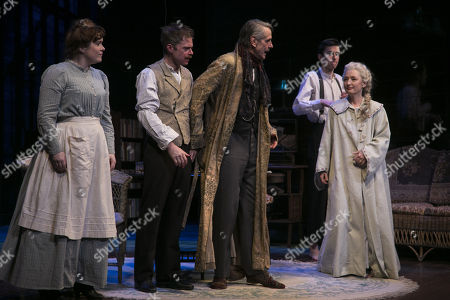 Jessica Regan (Cathleen), Rory Keenan (James Tyrone Jr), Jeremy Irons (James Tyrone), Matthew Beard (Edmund Tyrone) and Lesley Manville (Mary Tyrone) during the curtain call