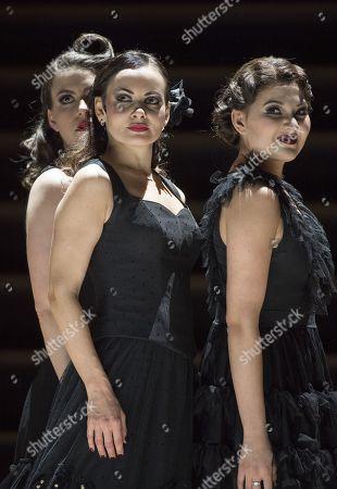 Anna Goryachova as Carmen, Jacquelyn Stucker as Frasquita, Aigul Akhmetshina as Mercedes