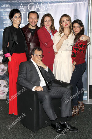 The cast with Gabriele Muccino, Valeria Solarino, Stefano Accorsi, Claudia Gerini, Carolina Crescentini and Giulia Michelini