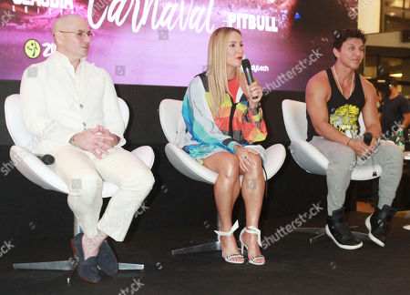 Stock Photo of Pitbull and Claudia Leitte