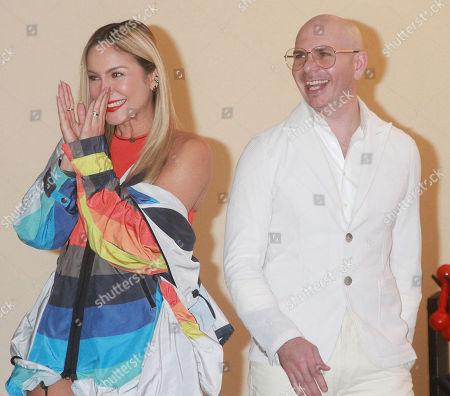 Pitbull and Claudia Leitte