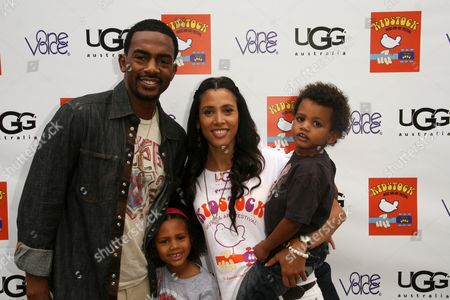 Bill Bellamy with his wife Kristen Baker and Family