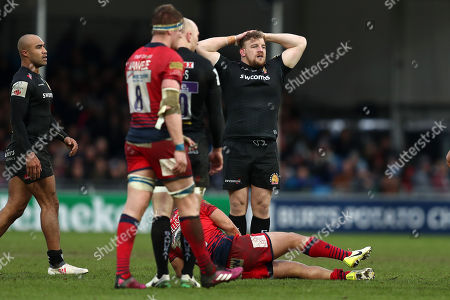Moray Low of Exeter Chiefs looks dejected