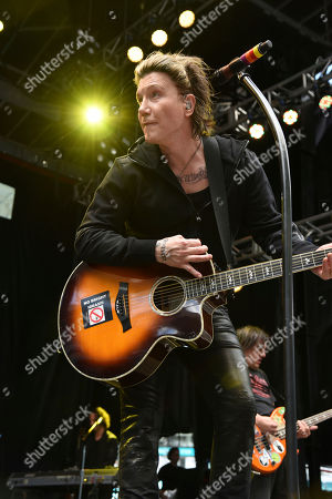 John Rzeznick of The Goo Goo Dolls performs at the Dolphins Cancer Challenge V111 on in Miami Gardens, Fla