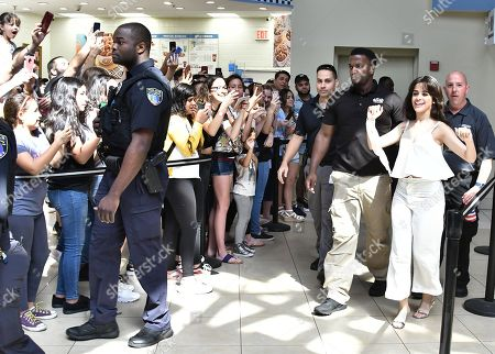 Camila cabello fan meet greet coral springs stock photos exclusive camila cabello meets and greets fans at the coral square mall m4hsunfo