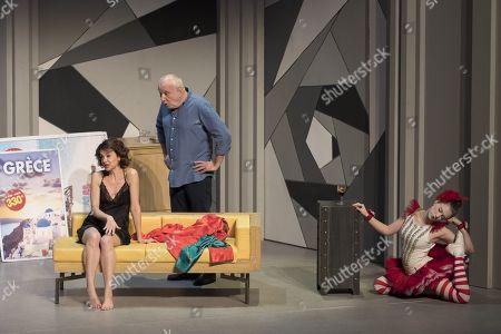 (G-D) Constance Dolle, Francois Berleand, Ines Valarcher