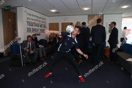 Free style footballer John Farnworth at the 10th Anniversary of the EFL Trust