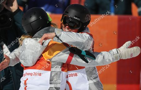 Winners Gold medalist in first place, Chloe Kim of the US (L) with Arielle Gold of the USA (R) who came third for bronze in the Women's Snowboard Halfpipe final at the Bokwang Phoenix Park during the PyeongChang 2018 Olympic Games, South Korea, 13 February 2018.