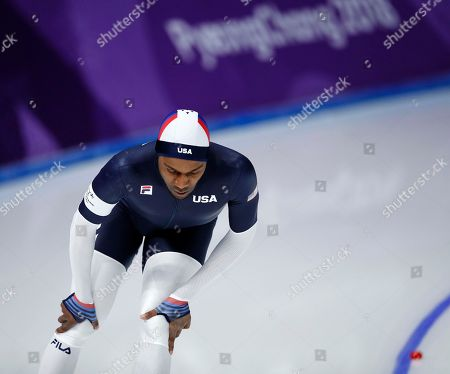 Shani Davis of the U.S. appears dejected after the men's 1,500 meters speedskating race at the Gangneung Oval at the 2018 Winter Olympics in Gangneung, South Korea