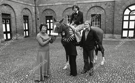 Publicity shot of the cast of Emmerdale Farm meeting their namesake race horse, Emmerdale Farm - with Sheila Mercier, Diane Grayson, Frederick Pyne and Frazer Hines
