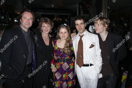 Neil Pearson, Samantha Bond, Jessie Cave, Ed Stoppard and Hugh Mitchell