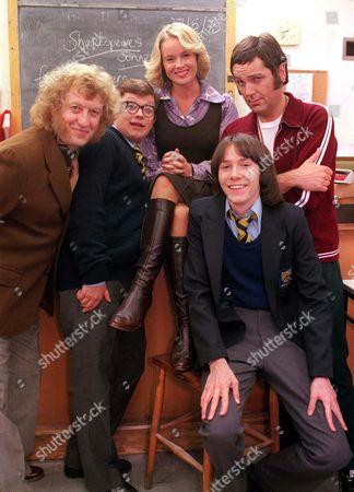 'The Grimleys' TV - Series 3 - 2001 -  (l to r) Mr Holder (Noddy Holder), Gorden Grimley (James Bradshaw), Geraldine Titley (Amanda Holden), Darren Grimley (Ryan Cartwright) and Doug Digby (Brian Conley).