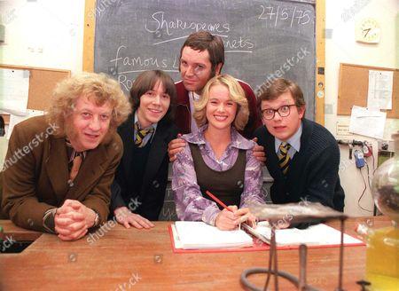 'The Grimleys' TV - Series 3 - 2001 -  (l to r) Mr Holder (Noddy Holder), Darren Grimley (Ryan Cartwright), Doug Digby (Brian Conley), Geraldine Titley (Amanda Holden) and Gorden Grimley (James Bradshaw).