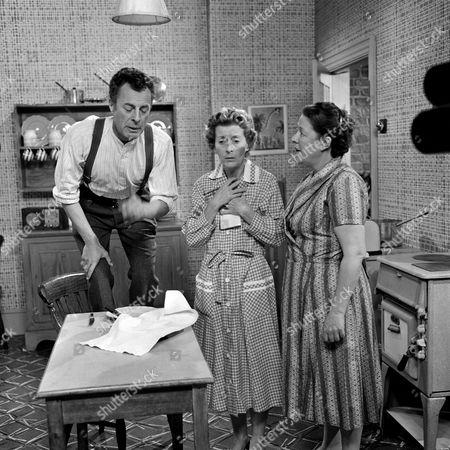 'Winning Widows'   TV Hugh Paddick, Avice Landon and Peggy Mount