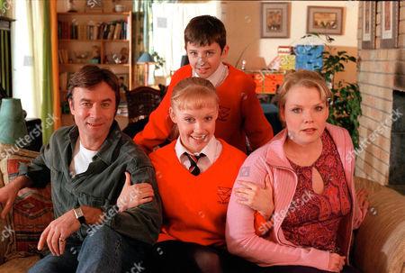 'Big Meg Little Meg'  CITV - 2000 - Matthew Beard [behind]Sara Crowe, Vicki Lee Taylor, Christopher Villiers. [right]