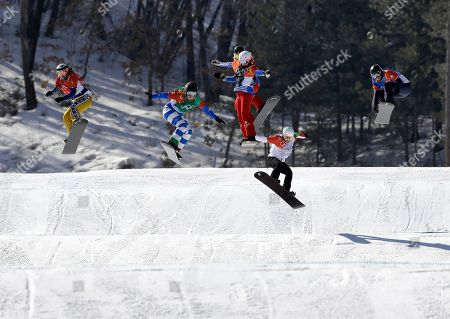 From left; Eva Samkova, of the Czech Republic,Michela Moioli, of Italy, De Sousa Mabileau Julia Pereira, of France, Alexandra Jekova, of Bulgaria, and Lindsey Jacobellis, of the United States, run the course during the women's snowboard finals at Phoenix Snow Park at the 2018 Winter Olympics in Pyeongchang, South Korea