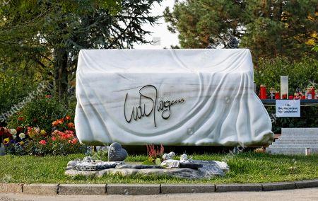 Grave of Udo Juergens, Central Cemetery, Vienna, Austria