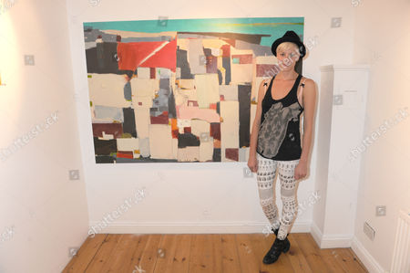 Editorial photo of Tahnee Lonsdale at a Showing of Her Latest Collection of Paintings, 'Metropolis', Gallery 5, Notting Hill, London, Britain - 17 Jun 2009