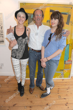 Tahnee Lonsdale with her father Tony Lonsdale and sister Storm
