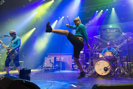 https://editorial01.shutterstock.com/wm-preview-450/9419385y/a8eb8592/the-aquabats-in-concert-o2-apollo-manchester-uk-shutterstock-editorial-9419385y.jpg