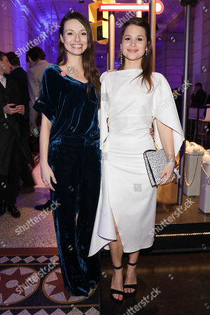 Julia Hartmann and Cristina do Rego