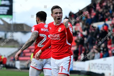Matthew Taylor (31) of Swindon Town celebrates the win in front of the home fans at full time after a 3-2 win over Port Vale during the EFL Sky Bet League 2 match between Swindon Town and Port Vale at the County Ground, Swindon. Picture by Graham Hunt