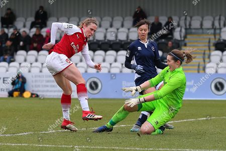 Sarah Quantrill of Millwall denies Heather O'Reilly of Arsenal during Arsenal Women vs Millwall Lionesses, SSE Women's FA Cup Football at Meadow Park on 18th February 2018