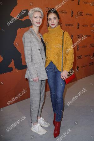 Lara-Sophie Koroll mit ihrer Schwester Lisa-Marie Koroll