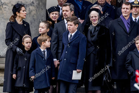 Princess Josephine, Crown princess Mary, Prince Vincent, Princess Benedikte, Crown prince Frederik, Queen Margrethe, Prince Joachim