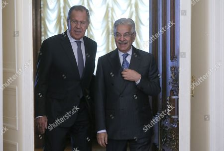 Russian Foreign Minister Sergei Lavrov (L) and Pakistan Foreign Minister Khawaja Muhammad Asif (R) arrive for their talks in Moscow, Russia, 20 February 2018. During his stay in Moscow, the foreign ministers will be holding official talks on bilateral relations as well as regional and international issues.
