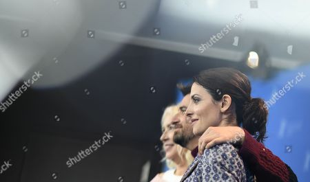 Susi Sanchez, Ramon Salazar and Barbara Lennie