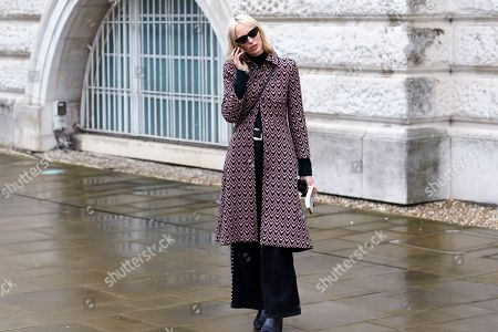 Editorial picture of Street Style, Fall Winter 2018, London Fashion Week, UK - 19 Feb 2018