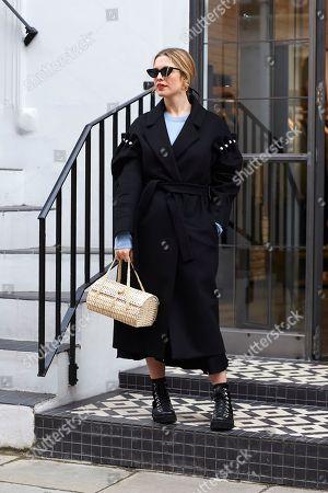 Editorial photo of Street Style, Fall Winter 2018, London Fashion Week, UK - 20 Feb 2018