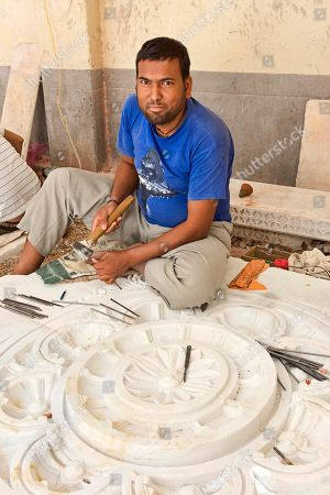 Stonemason working, Bera, Rajasthan, India