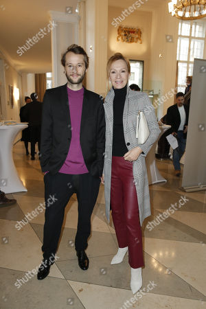 Stock Image of Katja Flint and Sohn Oscar Lauterbach