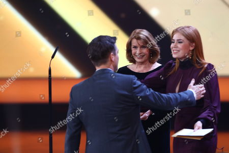 Volker Bruch (L) and Palina Rojinski (R) during the 53rd annual 'Goldene Kamera' (Golden Camera) film and television award ceremony in Hamburg, Germany, 22 February 2018.