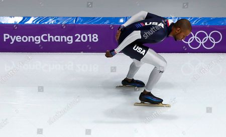 Shani Davis of the U.S. warms up prior to the men's 1,000 meters speedskating race at the Gangneung Oval at the 2018 Winter Olympics in Gangneung, South Korea