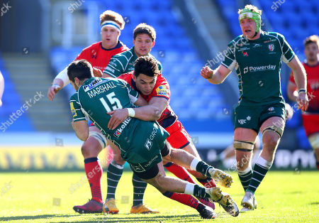 Bryce Heem of Worcester Warriors tackles James Marshall of London Irish