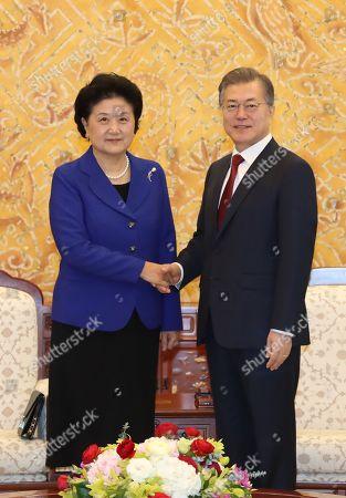 Moon Jae-in and Liu Yandong